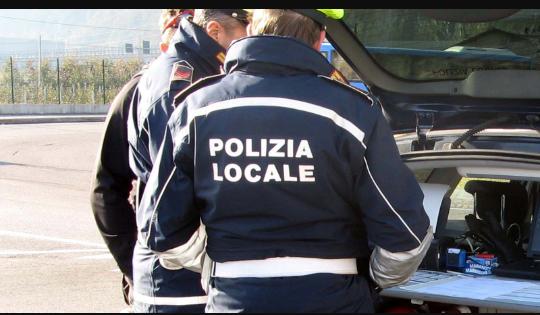 I carabinieri e la polizia municipale contro l'Abusivismo commerciale