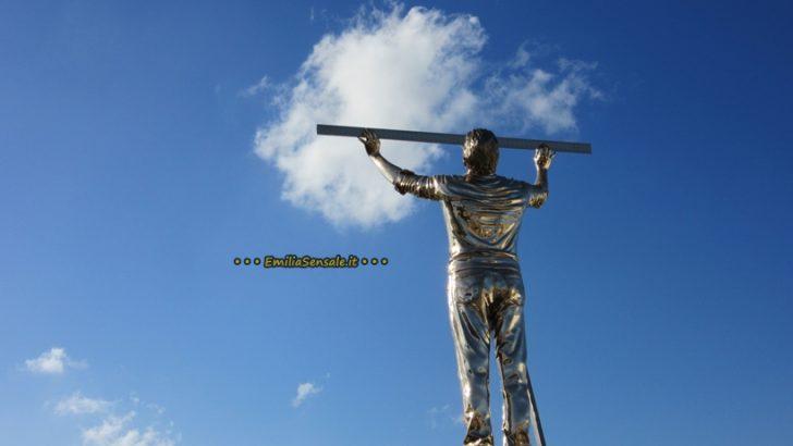 L'uomo che misura le nuvole, l'opera di Jan Fabre al Museo Madre di Napoli