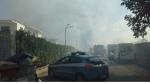 Incendio di grandi dimensioni a Via Brodolini: il fumo invade la città