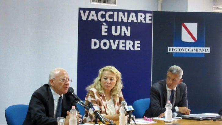 'Vaccinare è un obbligo', De Luca alla conferenza stampa sul tema delle vaccinazioni in Campania
