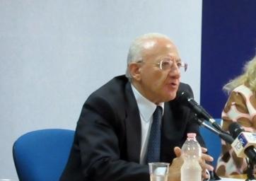 """De Luca: """"Cardarelli miglior ospedale d'Italia, chi ha diffuso quella falsa notizia sarà querelato"""""""