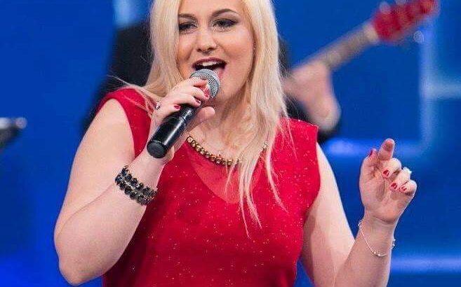 Claire Caruana Carsons grande voce, stile unico e grande presenza scenica della FiveStars Production di Marilanda Maiello