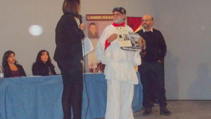 """Concorso letterario nazionale """"Uniti per la legalità"""": premiati, in una riuscitissima manifestazione, i vincitori nella biblioteca nazionale di Giugliano"""