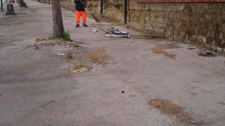 FOTO – Statale Sannitica, dopo la segnalazione di Casoriadue s'interviene sul degrado