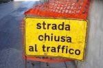 Via Nazario Sauro: strada chiusa per voragine