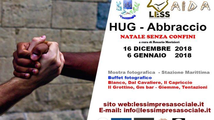 Ventisette fotografi in mostra a Procida, tutti stretti in un 'HUG – ABBRACCIO'