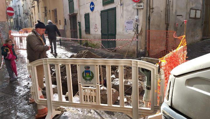 Lavori in corso in Via Santa Croce, riapertura a breve