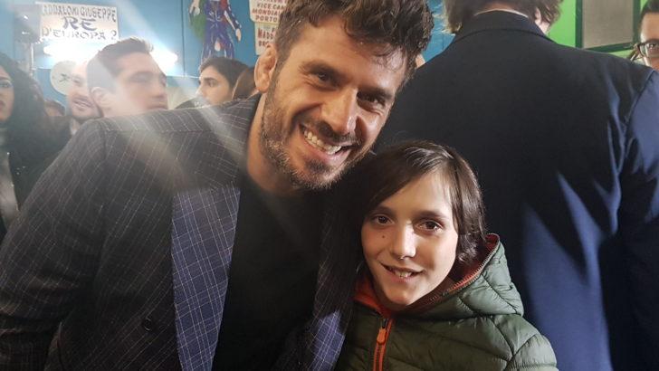 Galà a Scampia per il vincitore dell'Isola dei Famosi 2019.