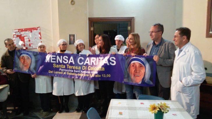"""IL SINDACO BENE IN VISITA ALLA MENSA """"CARITAS"""" DELLA PARROCCHIA S. ANTONIO ABATE"""