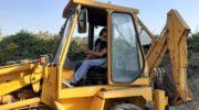 FOTO E VIDEO – L'intervento del servizio Verde Pubblico a via Enrico Caruso