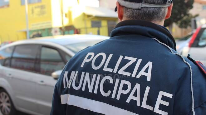 Sconforto nella Polizia Municipale, si suicida un agente